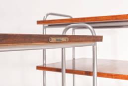 politura na kombinowanych metalowych stolikach